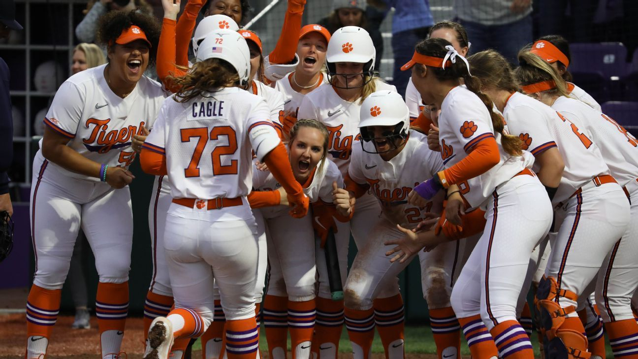 Clemson Not Letting Cancellation Spoil Memories Of Inaugural Season In 2020 Clemson Coaching Volleyball Softball Players