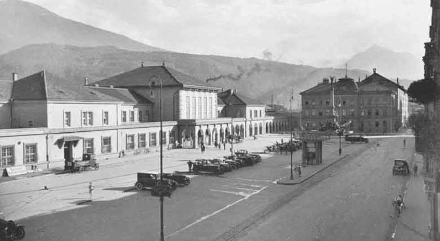 Innsbruck Hauptbahnhof 1928 Der Vereinigungsbrunnen Zur