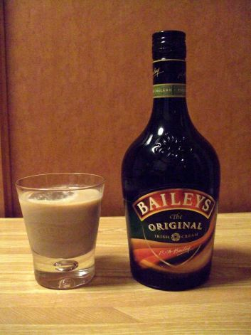 15 Great Holiday Cocktail Recipes Peppermint Schnapps Recipe Holiday Cocktail Recipe Baileys Drinks