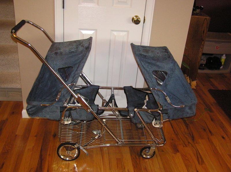 1970's Strolee Twin Stroller 125 Vintage stroller