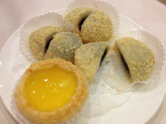 dan tat and black sesame mochi at grand palace food dim sum mochi pinterest