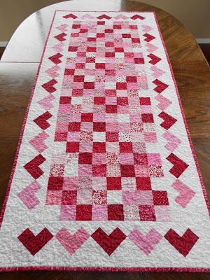 Calicos In Bloom Valentine S Day Table Runner Hotpads