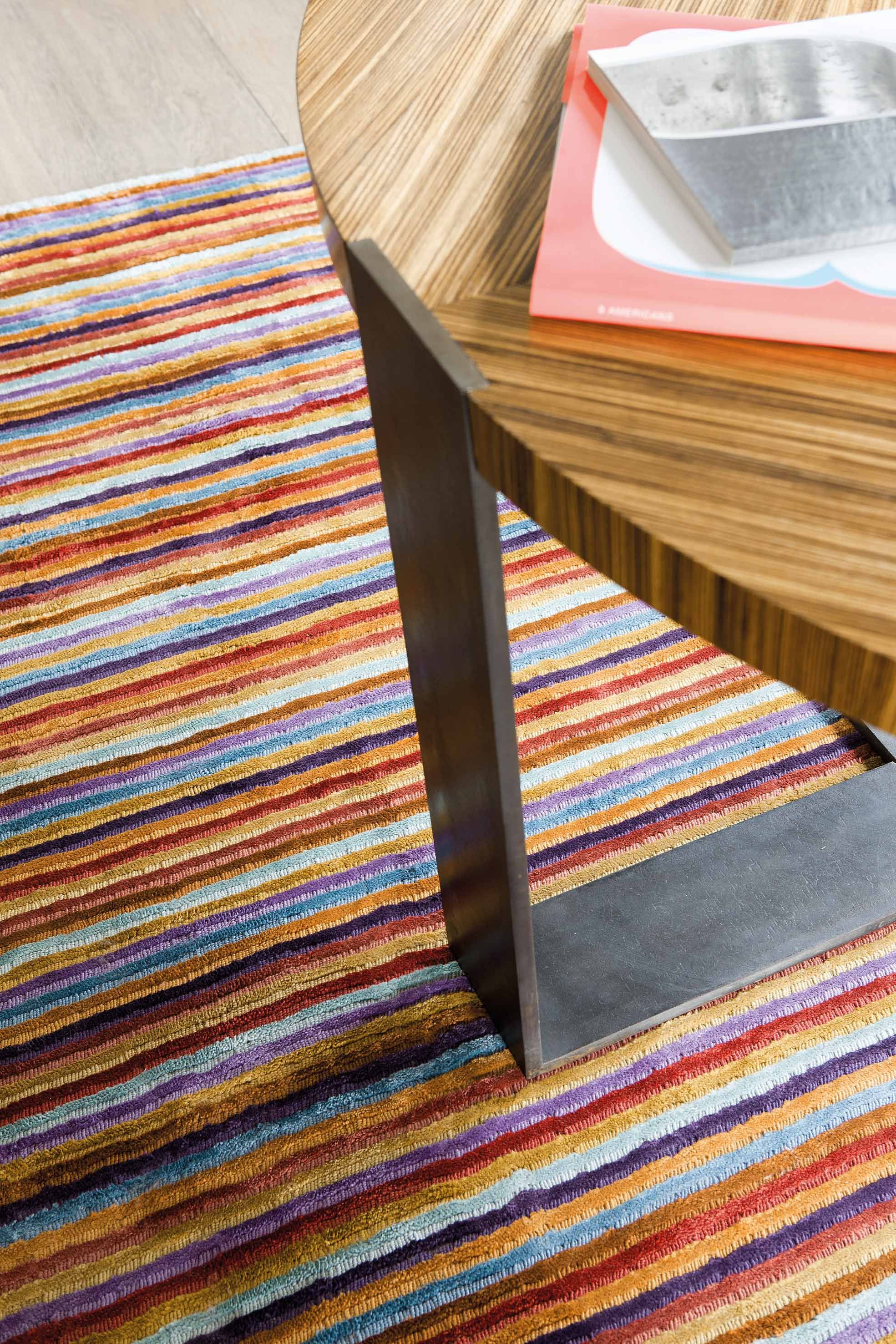 Love Carpet http://heavenrugs.com/carpet/love-modern-60x120-rectangle-202_001_990