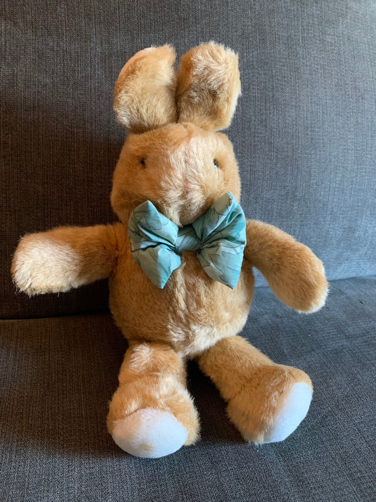 Commonwealth Bunny Plush Rabbit 1991, Brown and white fur with green pattern tie #bunnyplush