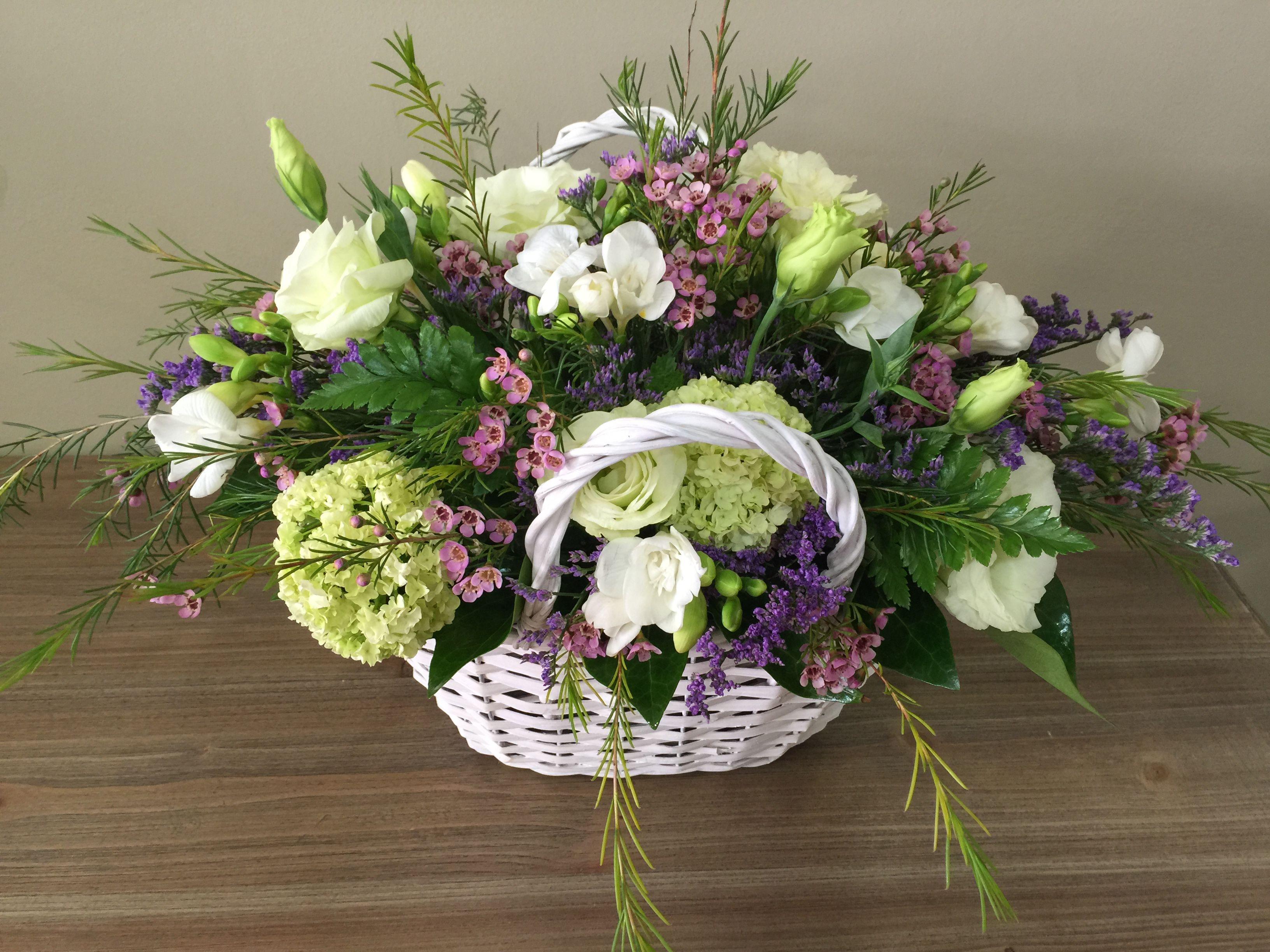 Gran cesta de flores selectas, producto extraordinario elaborado con ...