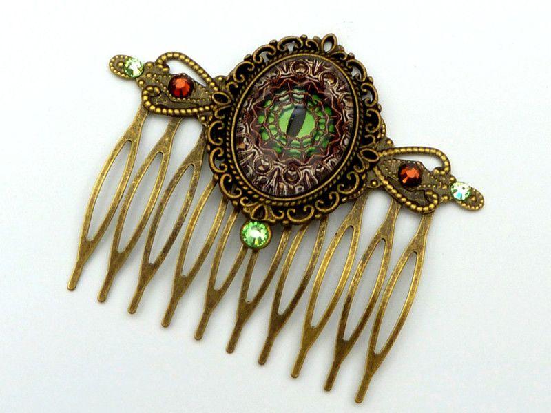 Haarkämme - Steampunk Haarkamm mit Drachenauge in grün braun - ein Designerstück von glitzerkaestchen bei DaWanda