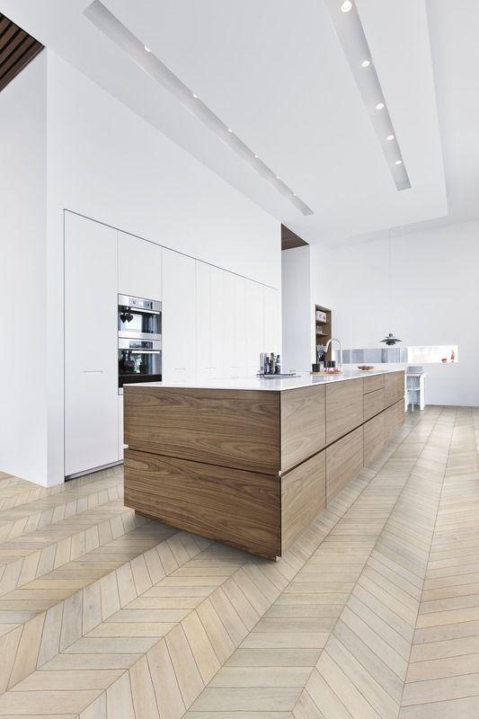 COCOON modern kitchen design inspiration bycocoon.com | interior design | inox stainless steel kitchen taps | kitchen design | project design & renovations | RVS design keukenkranen | Dutch Designer Brand COCOON | Kährs Wood flooring