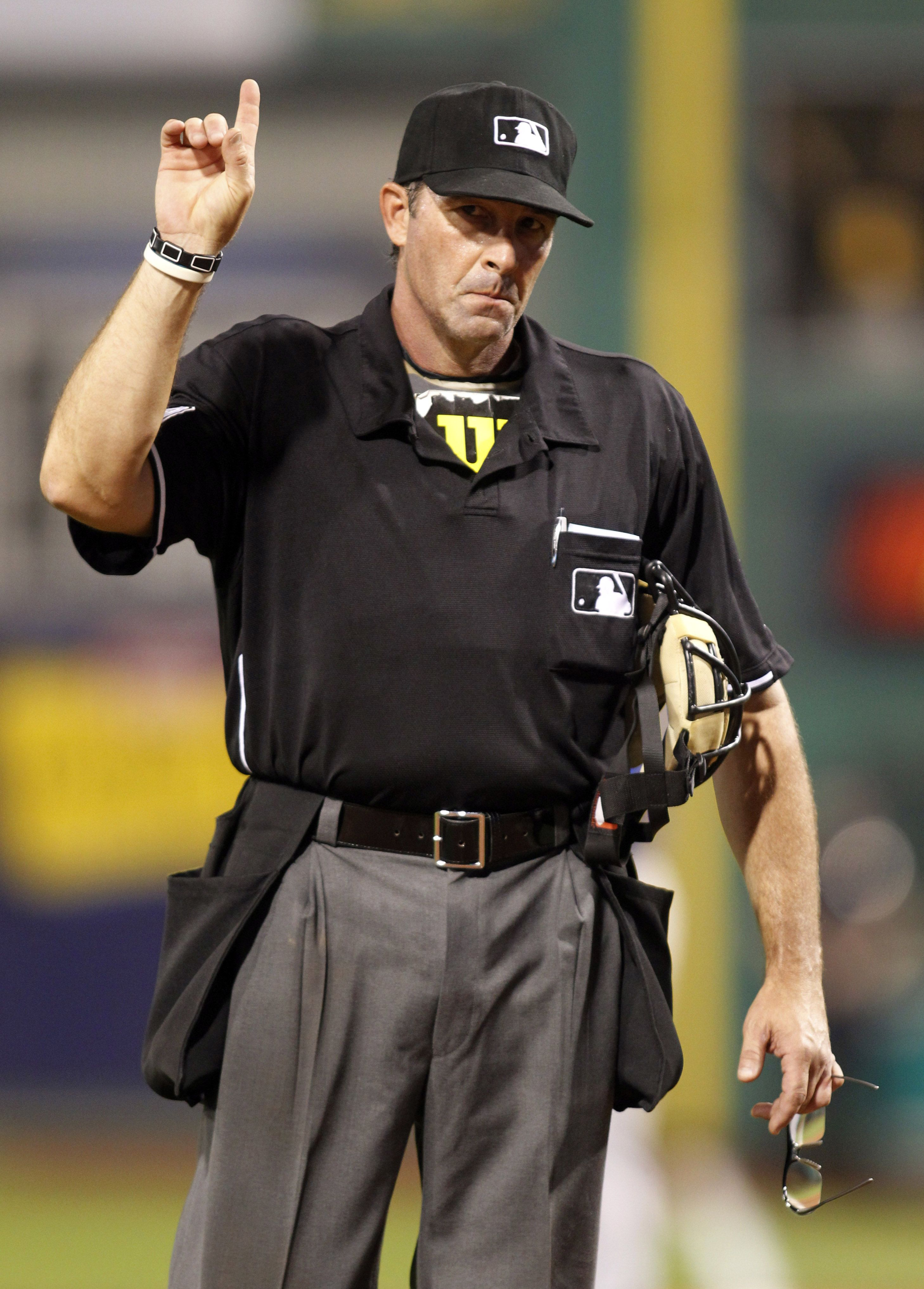 Crowdcam Hot Shot Home Plate Umpire Paul Nauert Reacts Between Innings Of The Chicago Cubs And Pittsburgh Pirate Pittsburgh Pirates Game Chicago Cubs Pnc Park