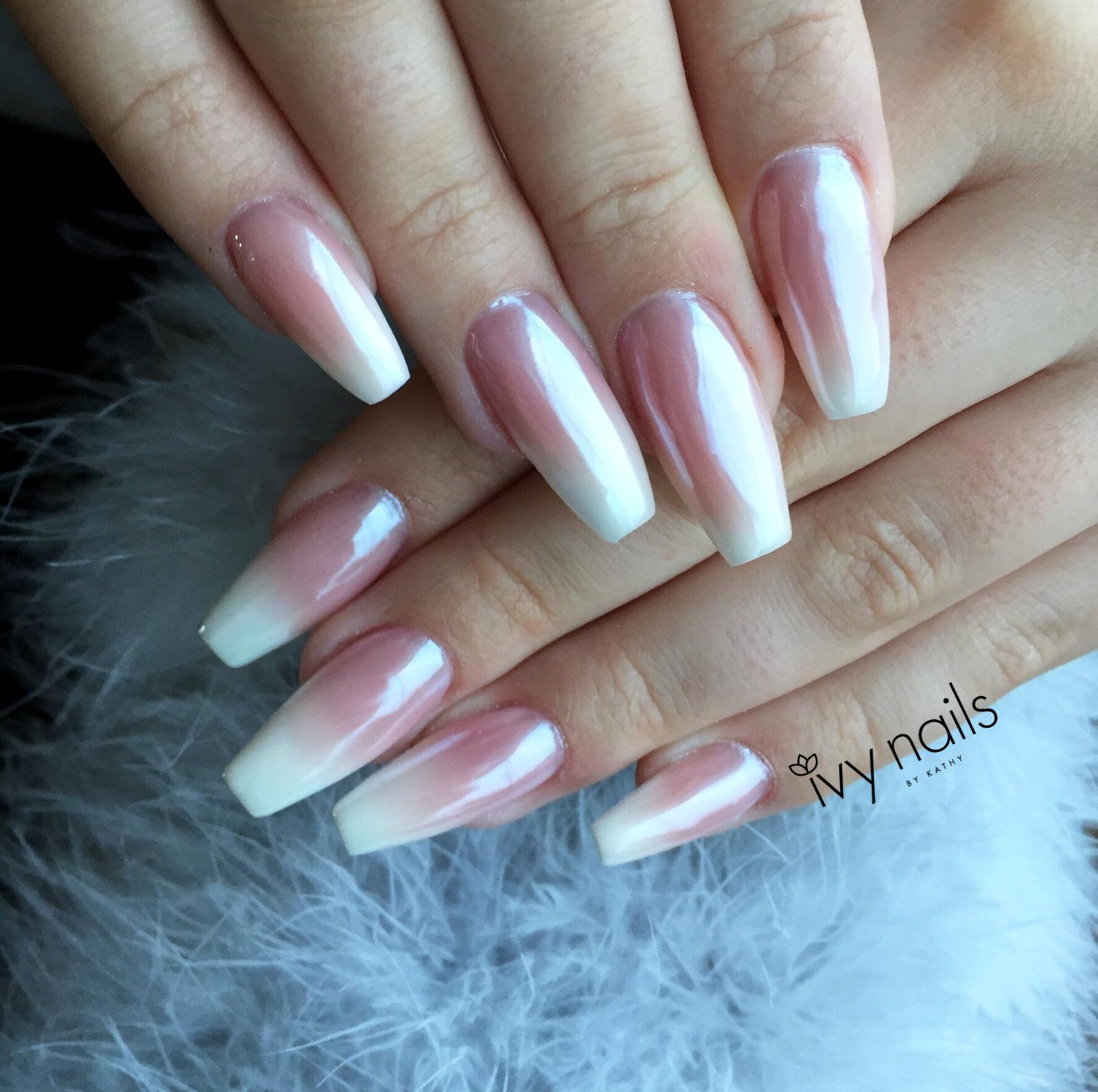 910acea5dc8 Ombré baby boomer chrome nails Chrome Nails