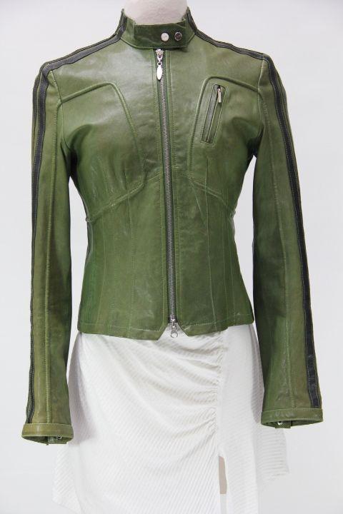 #NicolaBertti #leatherjacket #greenleather #urbanitystyle #consignment