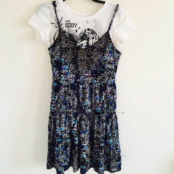 Free People Pattern Cotton Dress Guess Small T Shirt is FREE. Wear only once. Free People Dresses