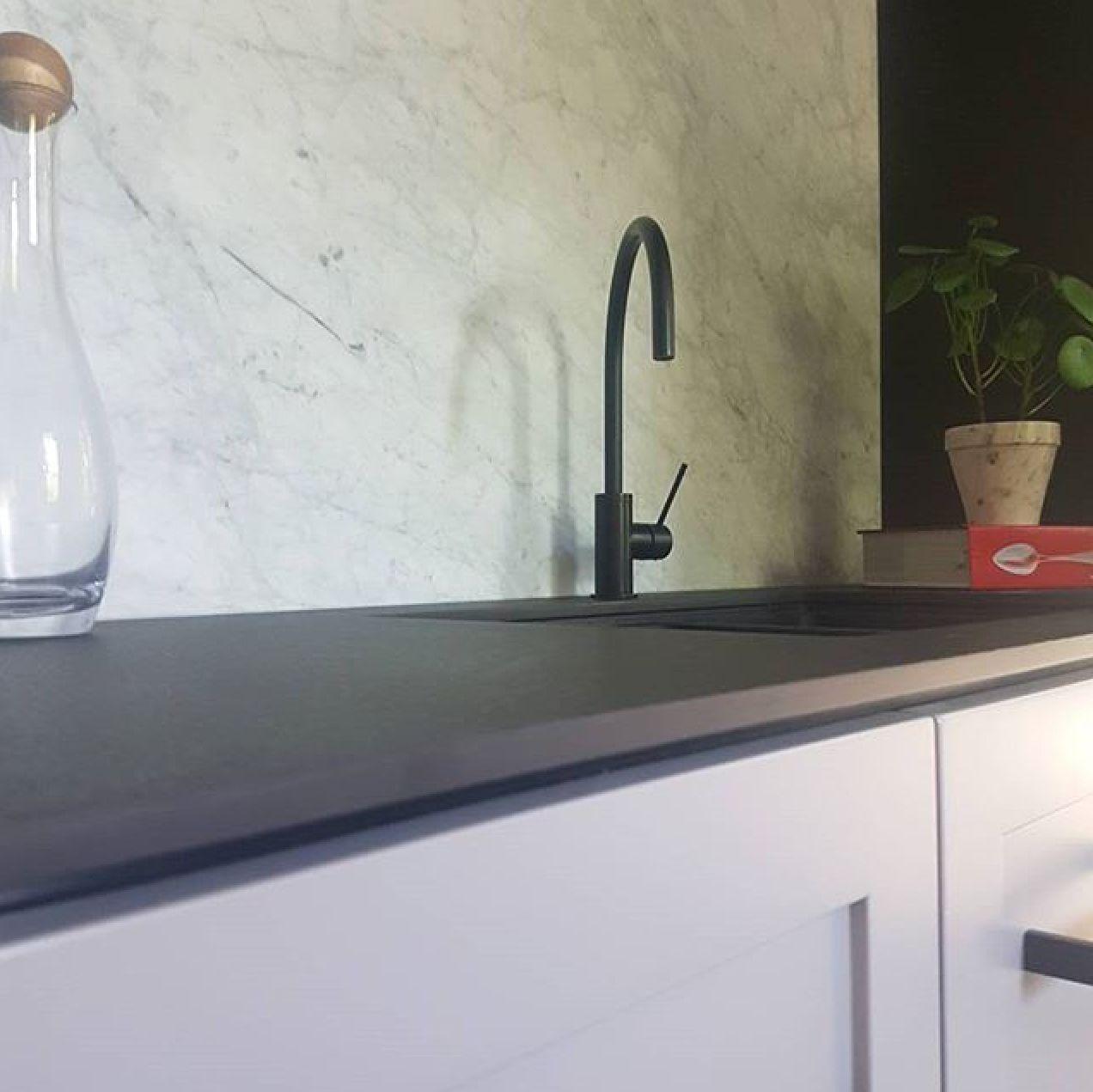 Carrara Marble Kitchen Benchtops: Ash Grey QUANTUM QUARTZ Benchtops Amp Splashback By Cahill