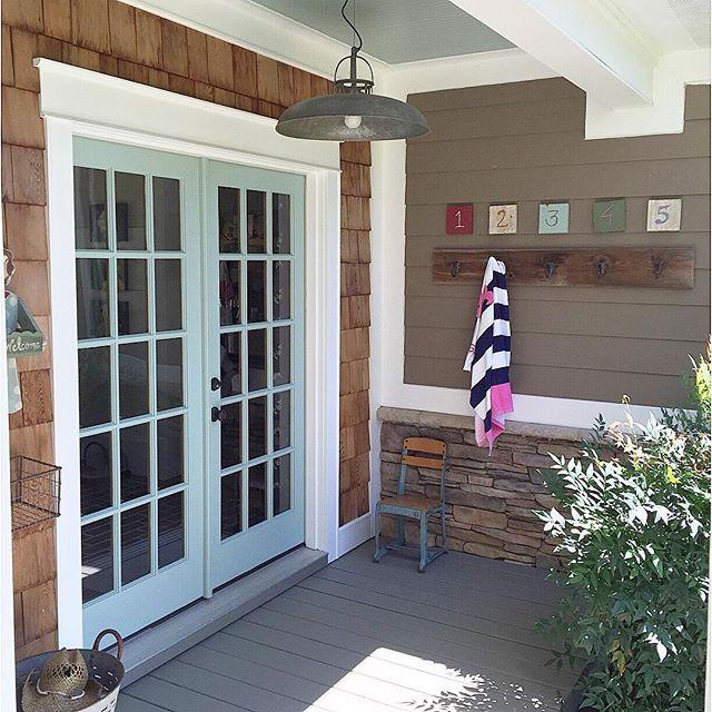 Best Cedar Shakes Around Doorframe Just In Entryway In Addition 400 x 300
