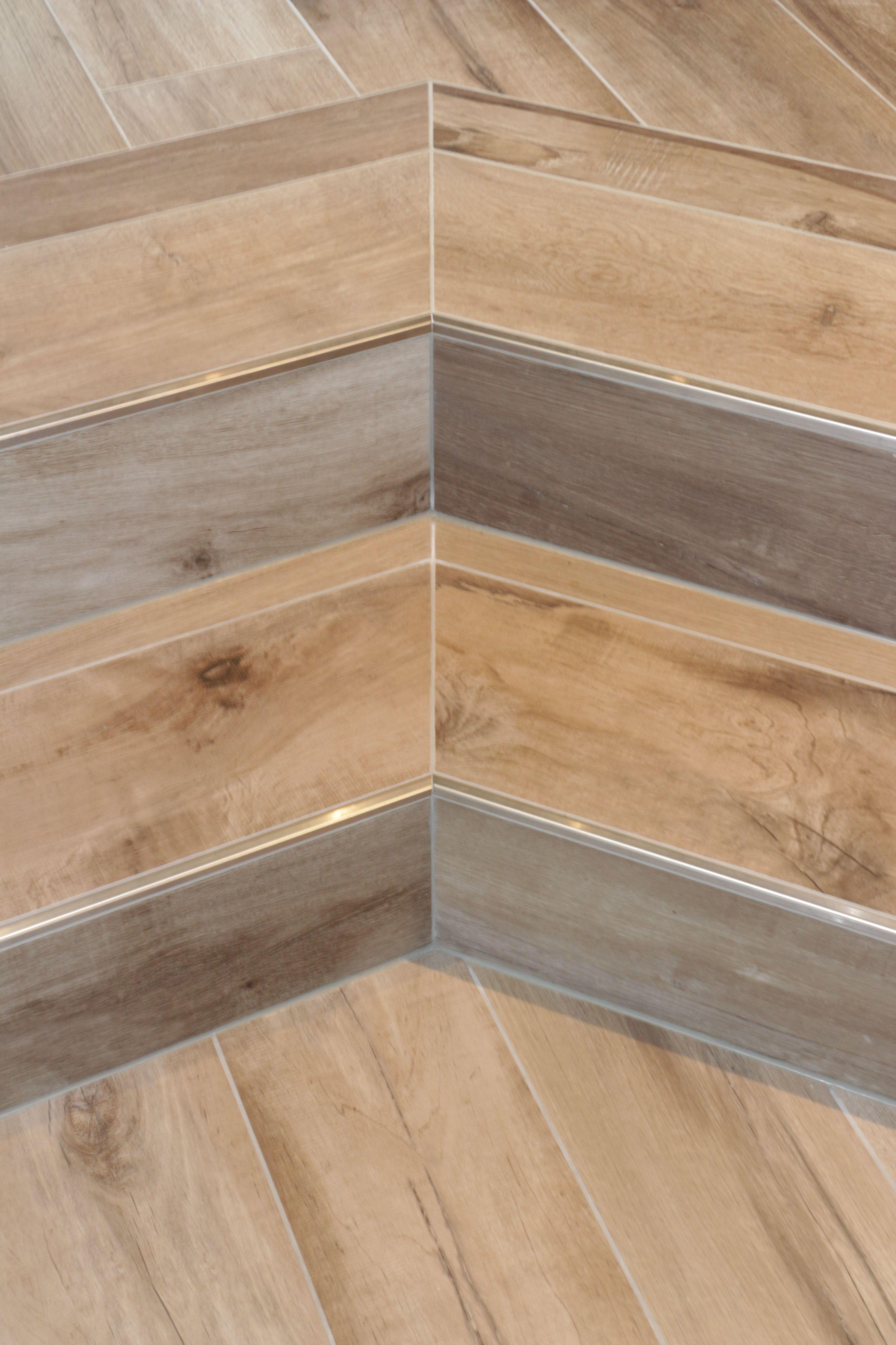treppengestaltung mit einem feinsteinzeug mit abschlussschiene von schl ter system schl ter. Black Bedroom Furniture Sets. Home Design Ideas