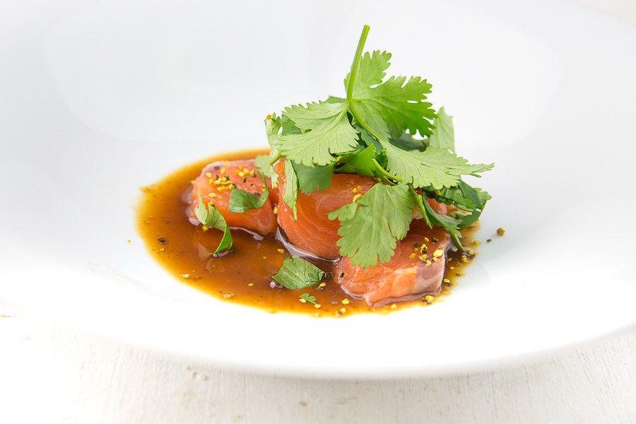 sashimi vom lachs mit zitronenpfeffer und miso mirin marinade ausprobieren pinterest. Black Bedroom Furniture Sets. Home Design Ideas