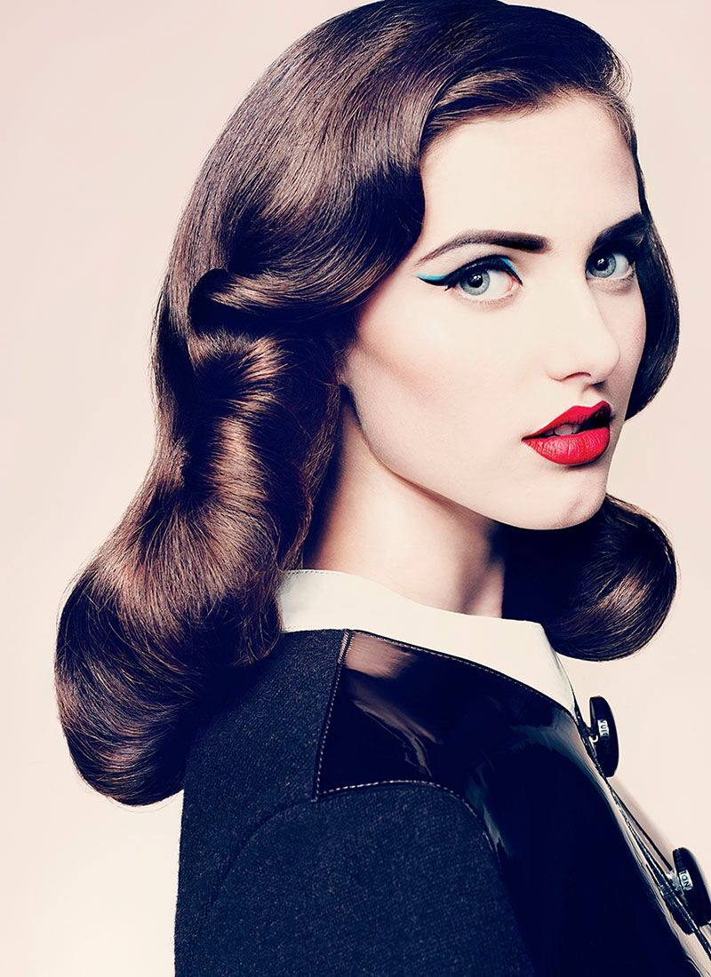 1950s makeup with a modern twist of light blue - definitely want to try this fun look!