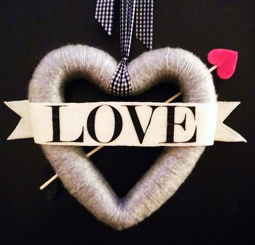 Valentine wreath: I think it would be nice with just a wrapped heart hung with a pretty ribbon!!