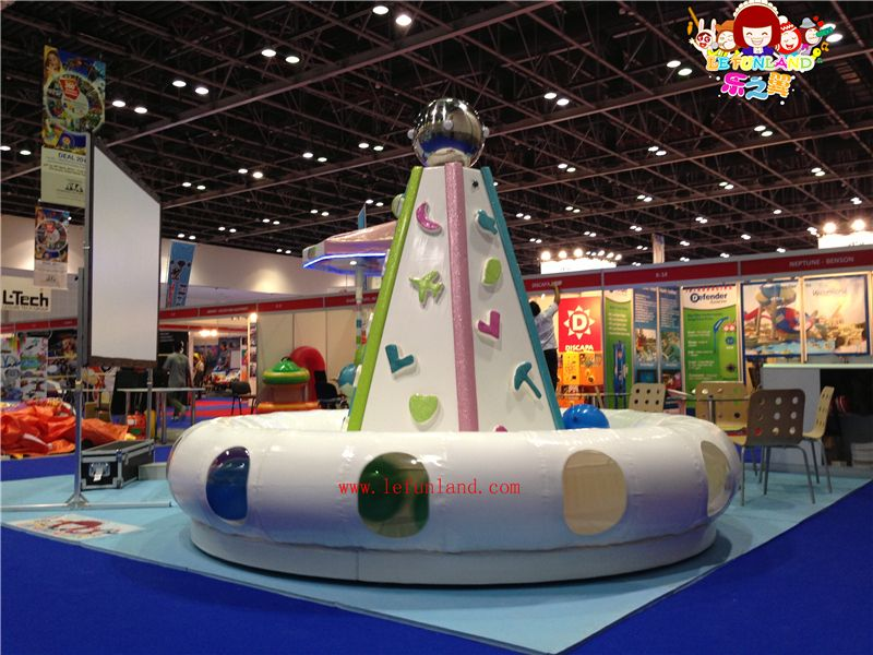Le funland indoor playground equipments kids playground for Indoor play slide