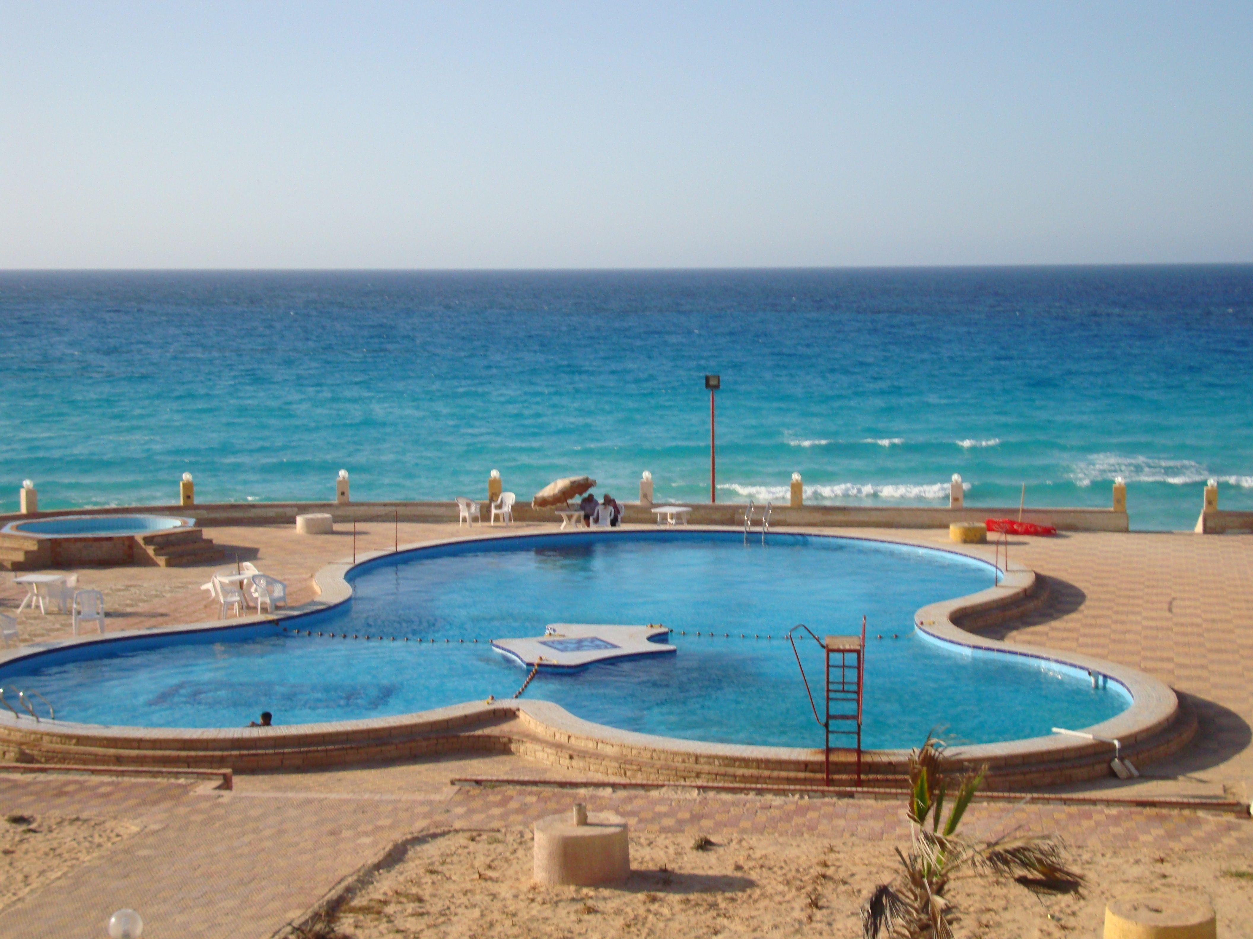 حمامات سباحة و اكوابارك وحمام سباحة مغطى للسيدات و حمام سباحة للاطفال Outdoor Decor Outdoor Decor