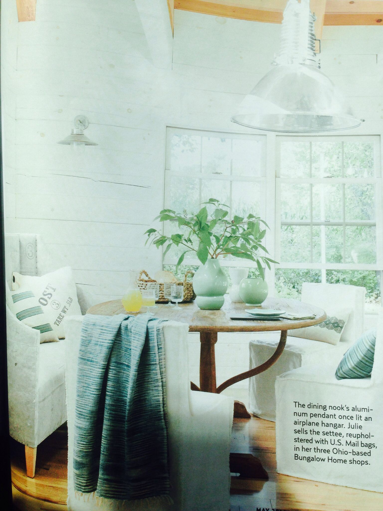 Courtesy Country Living. I love this kitchenette