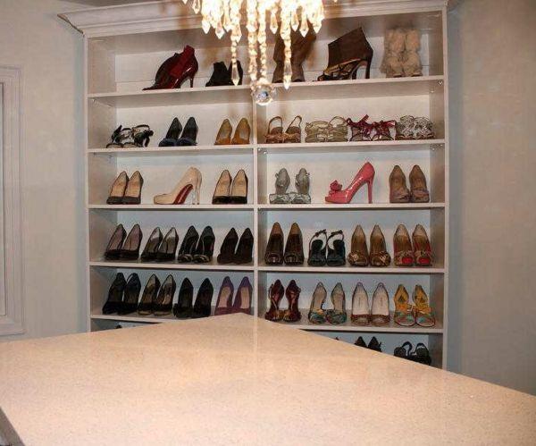 Le Meuble Chaussure Design Organise De Petites Expositions Pratiques Chez  Vous   Archzine.fr