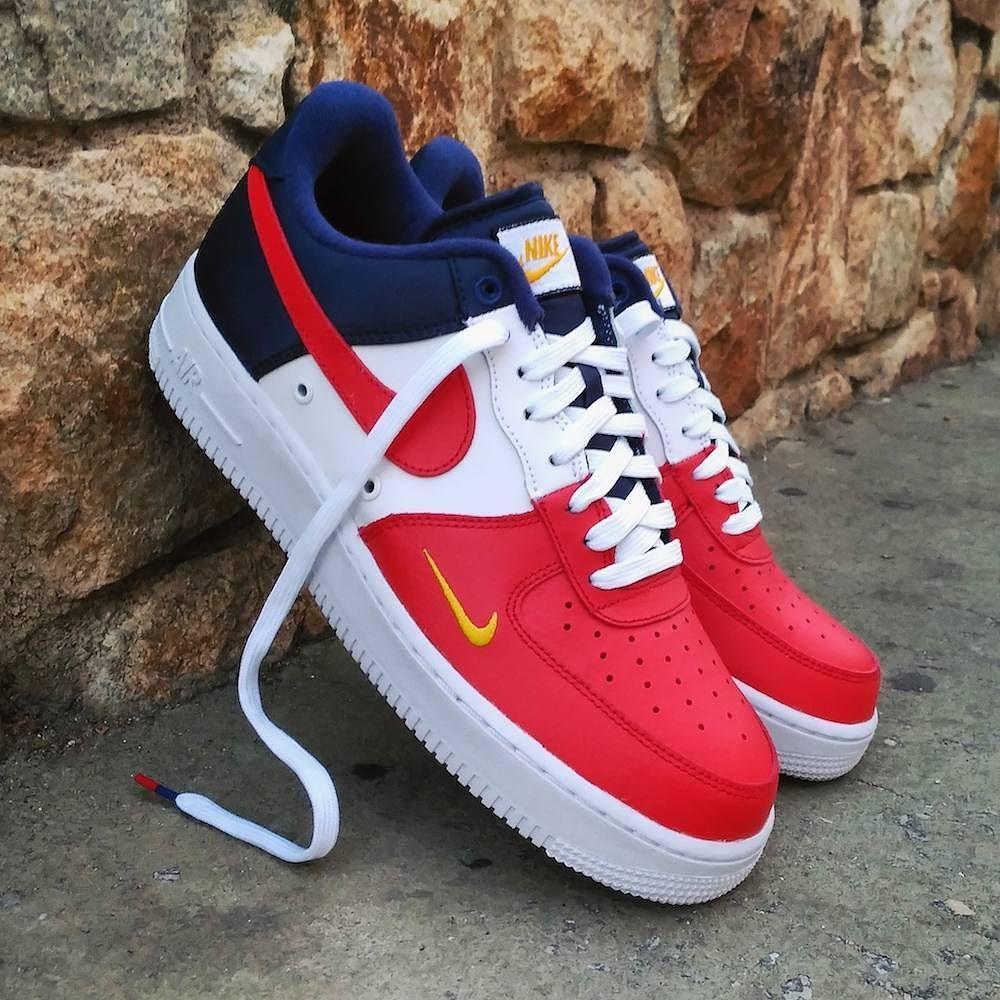 Nike Air Force 1 Low 07 LV8 Mini Swoosh