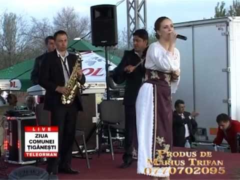 Ziua Comunei Tiganesti 2012   Marcela Fota si Violeta Constantin   03