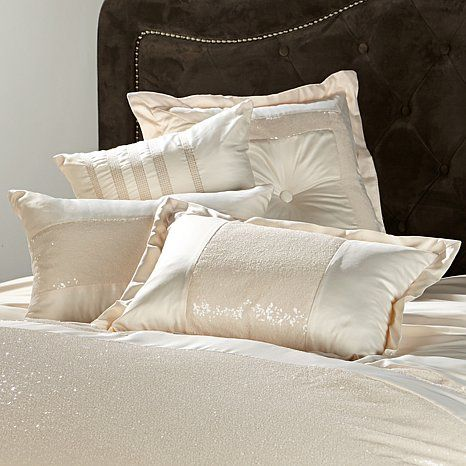 Highgate Manor Royale 4-piece Decorative Pillow Set in Ivory | Maleficent Collection