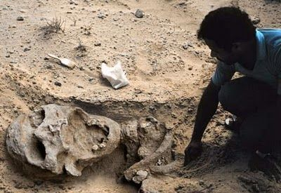 Very Large Human Beings Unearthed Giant Human Skeleton In