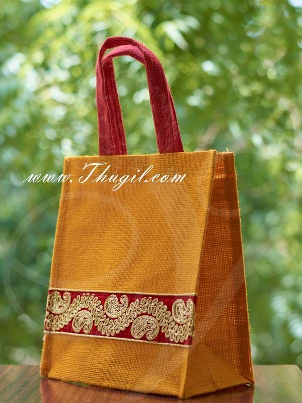 10 5 Beautiful Jute Bags Pouches For Wedding And Return Gift Buy Now Beautiful Pouches Return Wedding Jute Bags Jute Bags Design Jute Shopping Bags