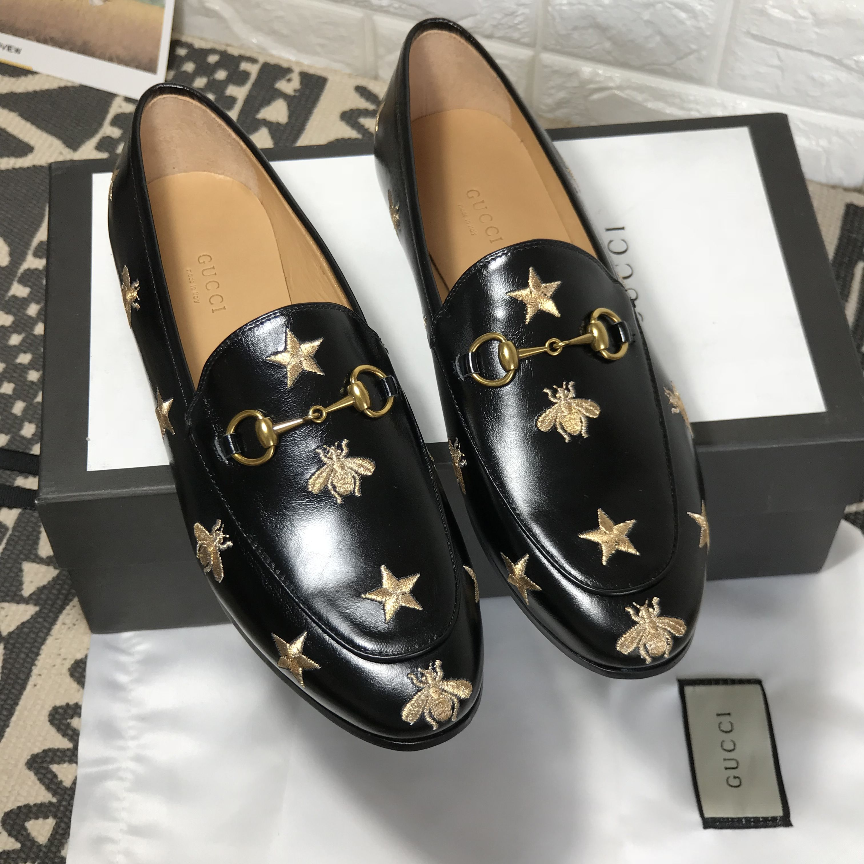 a2aa696d1f4 Gucci woman loafers slip on flats embroidered stars and bees