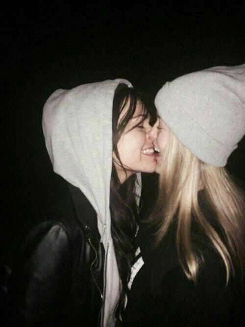 Lesbian kissing tumblr