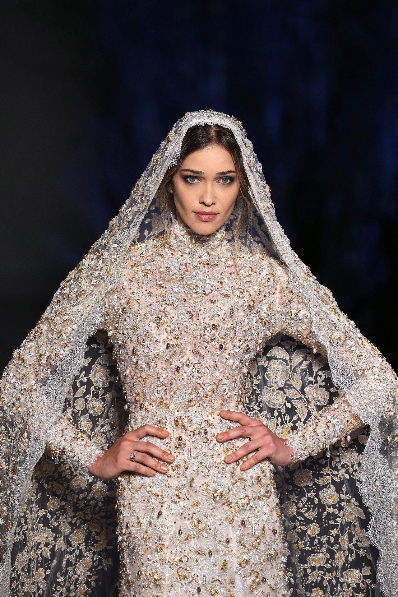 dress Asian up bride