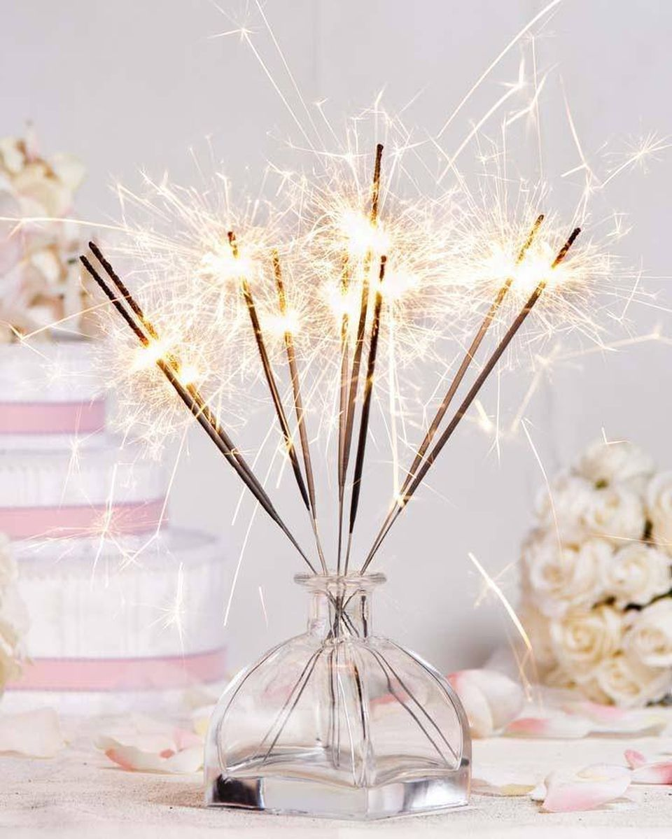 50 Cheap Ideas to Make New Year Eve Decorations | Decoration