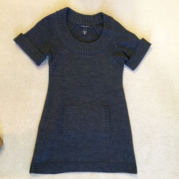 NY&C Gray Knit Sweater Dress New York and Company gray sweater dress. Very light signs of wear has been worn and washed 4-5 times. Fit is typical for a NY&Co size M but I would say it is more large. No PayPal, no trades, offers via offer button only! New York & Company Dresses