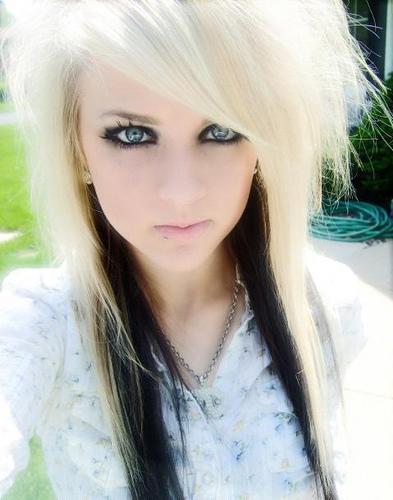 Kurze Und Mittellange Haare Emo Emofrisuren Frisuren Haar