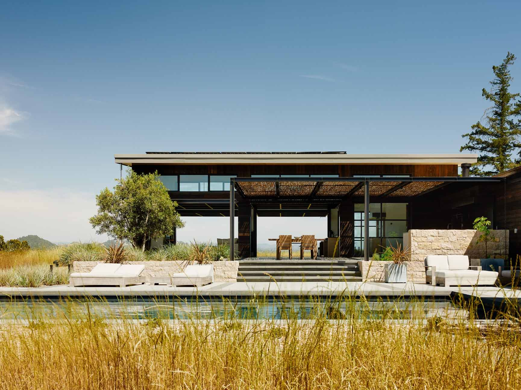 Merveilleux Squatting On A Ridge Line Above The City Of Healdsburg, California, Is A  New Stellar Creation From Feldman Architecture, The Healdsburg 1 Rural  Retreat.