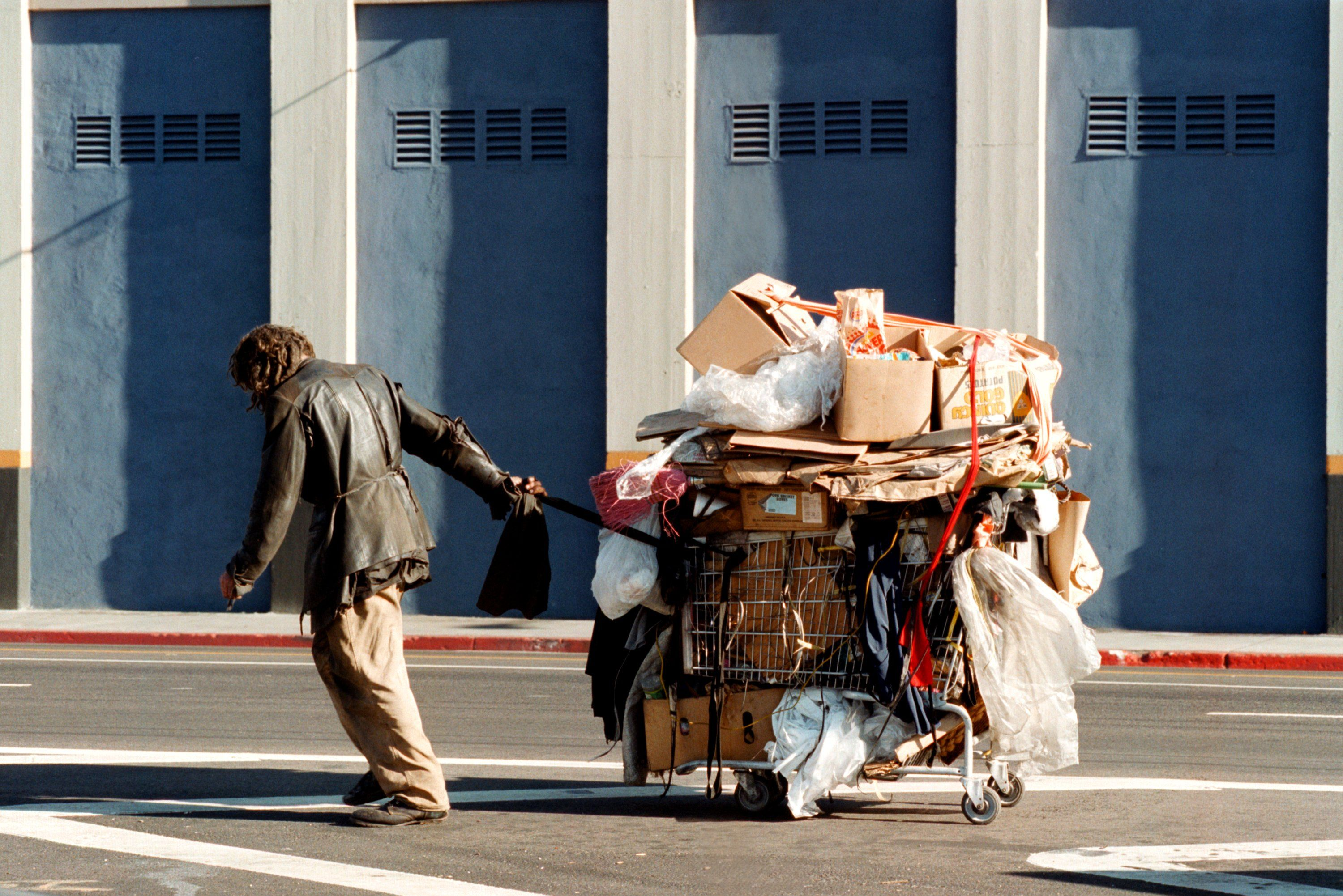 Meet The Couple Who Dedicated Their Entire Life Fighting For The Homeless Homeless Homeless Person Skid Row Los Angeles