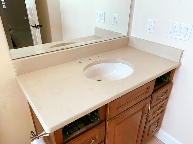 Amazing Bathroom Countertop Made By Using Beautiful Crema Marfil