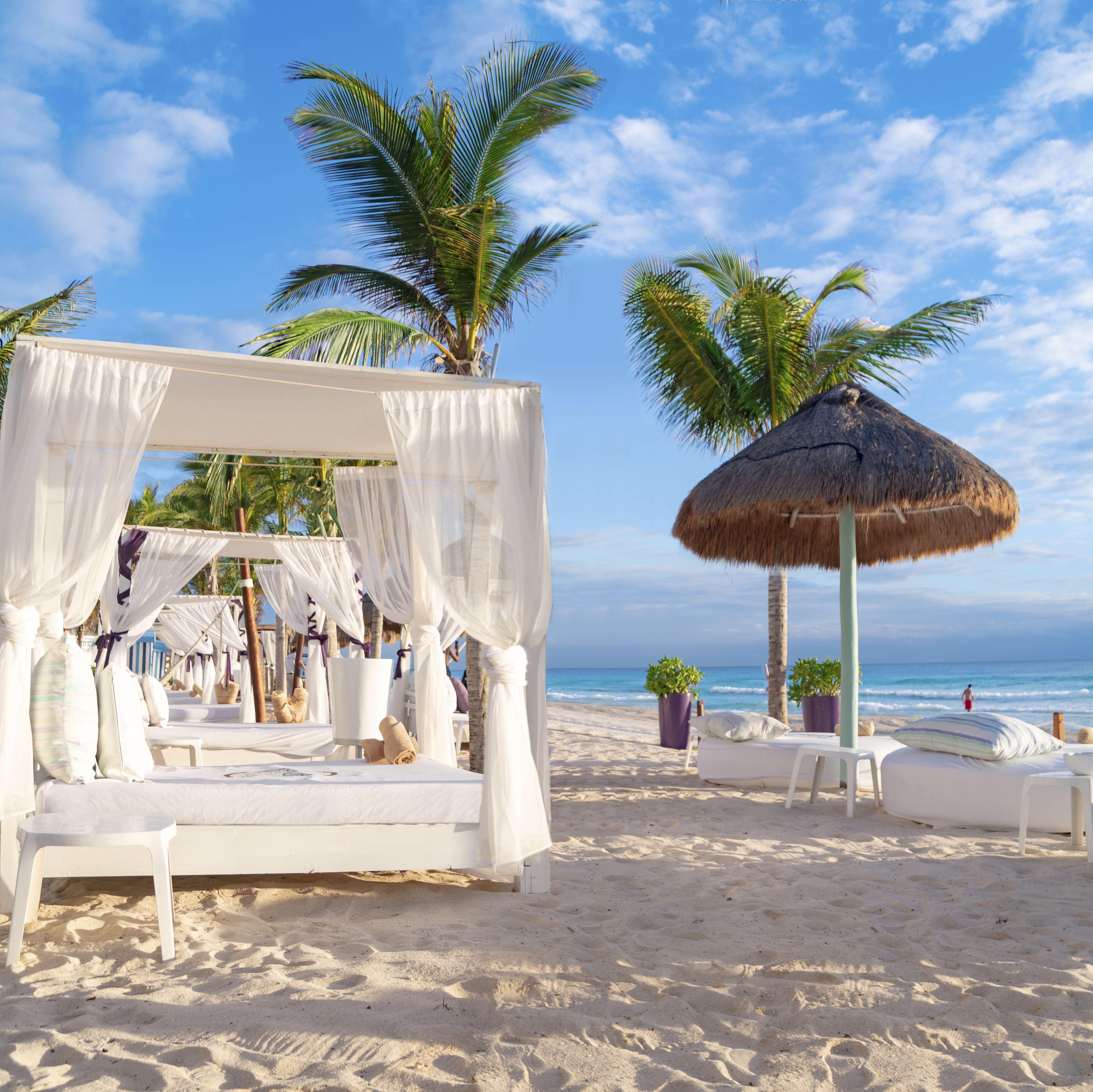 Nuestros Huéspedes Sian Ka An Pueden Disfrutar De Este Increíble Club De Playa Luxuryallinclusive Thesiankaanatgrandsens Club De Playa Hoteles Playa