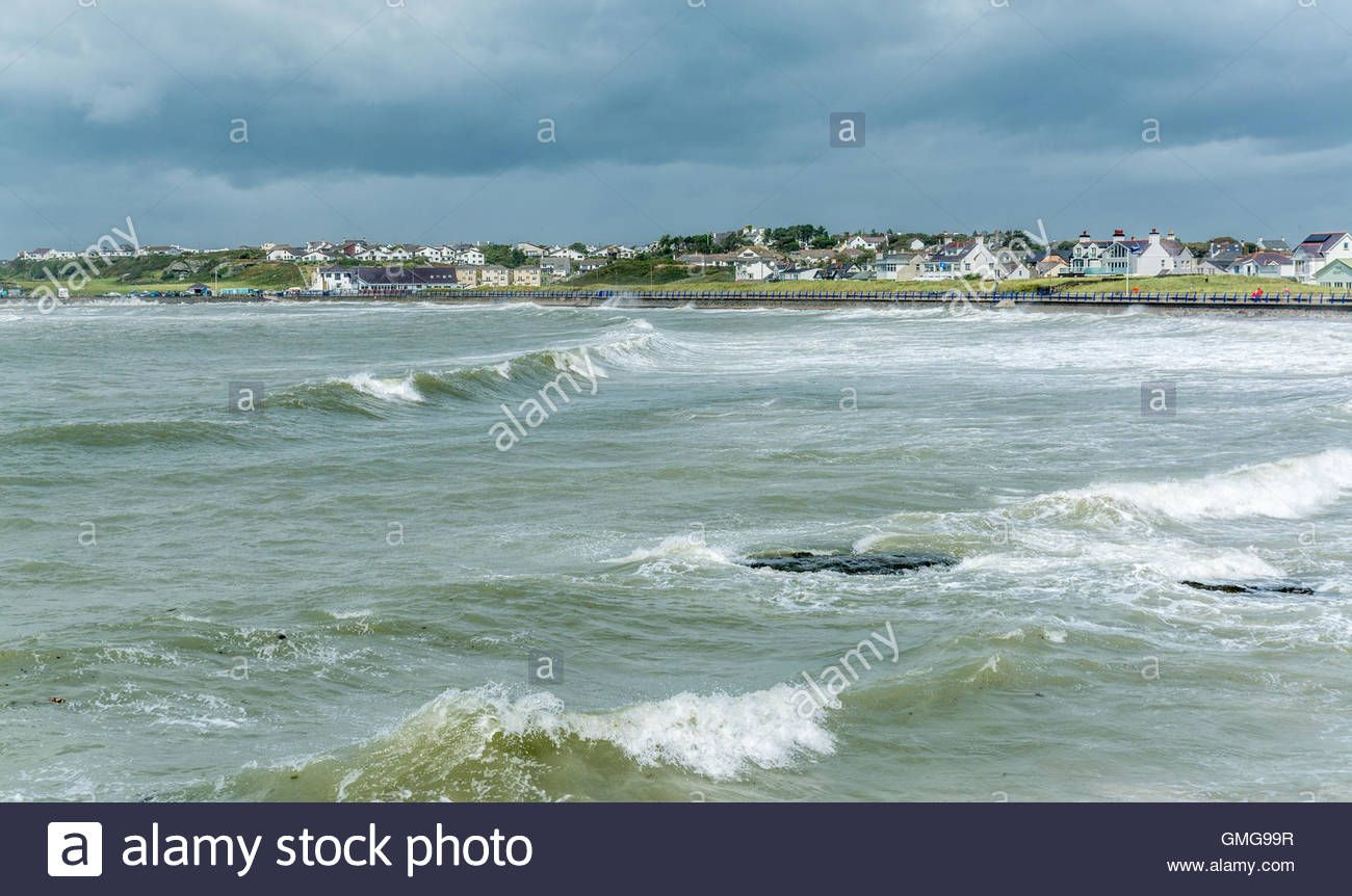 Download this stock image: Waves on a stormy day at Trearddur Bay - GMG99R from…