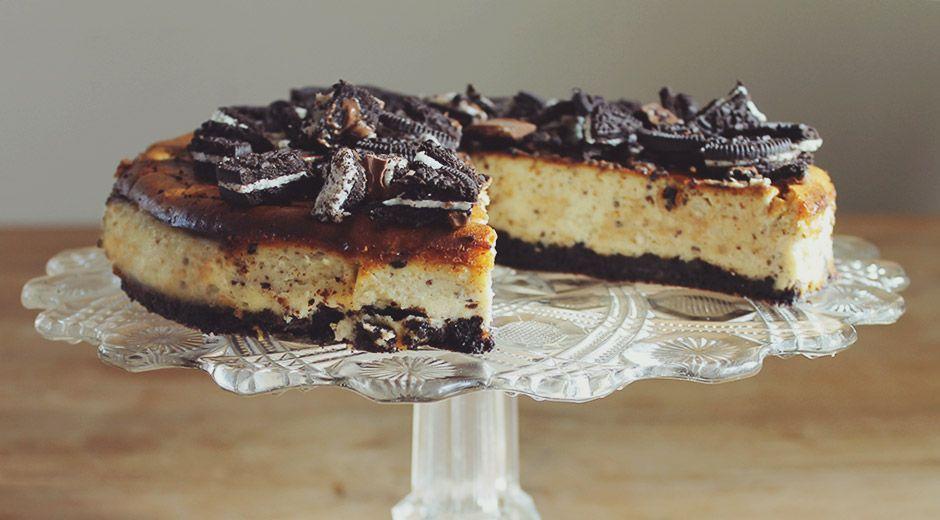 Met dit recept maak jij gemakkelijk een overheerlijke Oreo Cheesecake om je vingers bij af te likken!