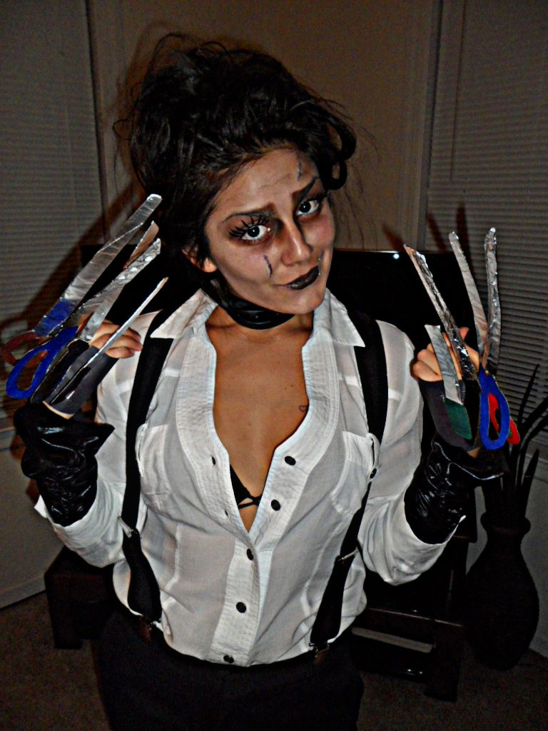 Edward Scissor Hands Homemade Super Easy With Images Scary Halloween Costumes Diy Costumes Women Edward Scissorhands Costume