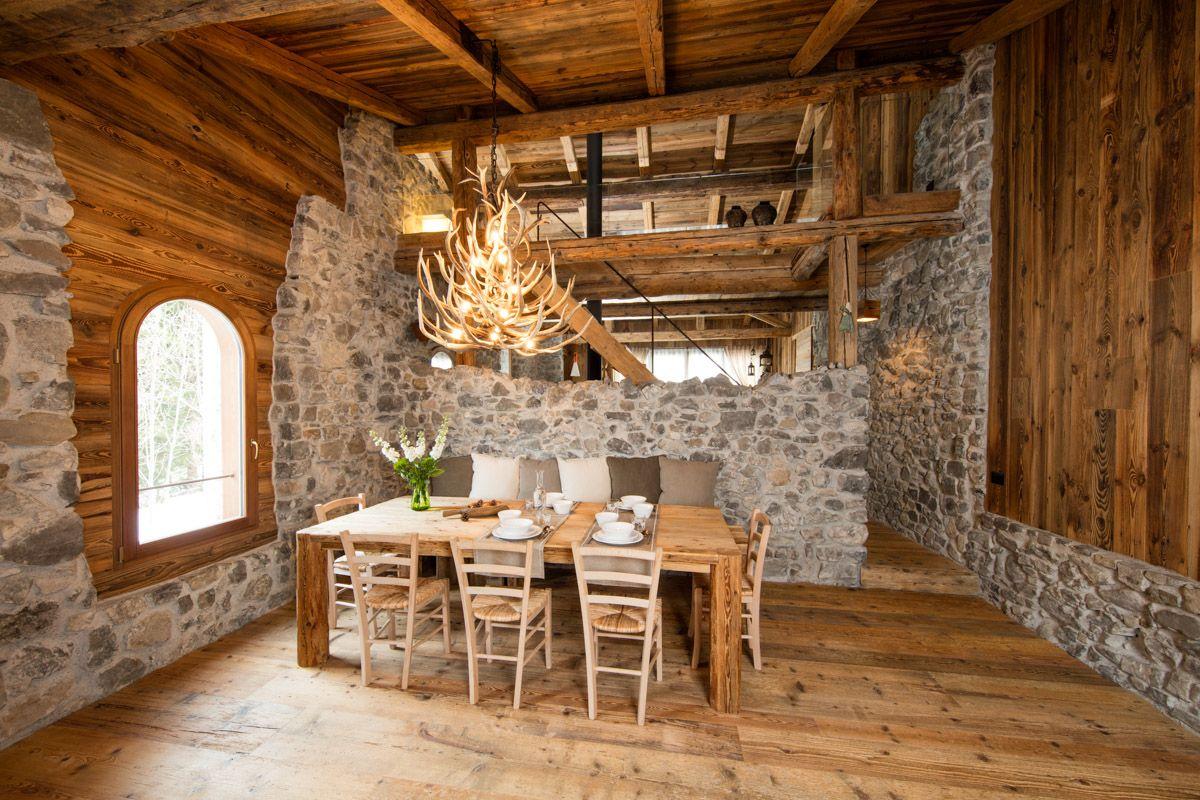 Il Recupero Di Un Rustico Di Montagna Casa Rustica Arredamento Baita Di Montagna Arredamento Chalet