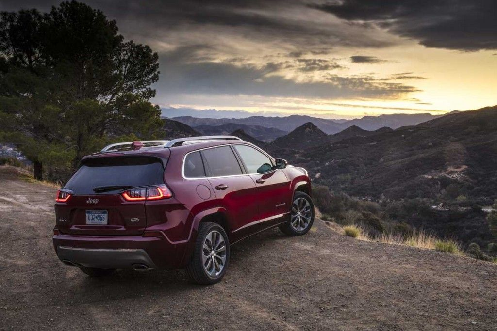 4 Campers You Can Tow With A Jeep Cherokee In 2020 Sporty Suv Jeep Jeep Cherokee