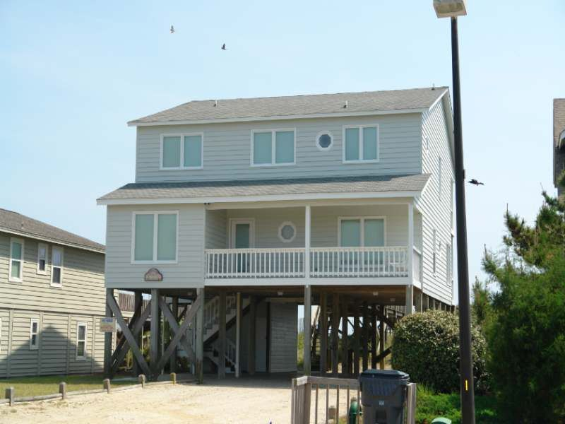 Holden Beach Nc Tapawingo 523 A 5 Bedroom Oceanfront Rental House In Holden Beach Part Of The Brunswick Beache Oceanfront Rentals House Rental Holden Beach