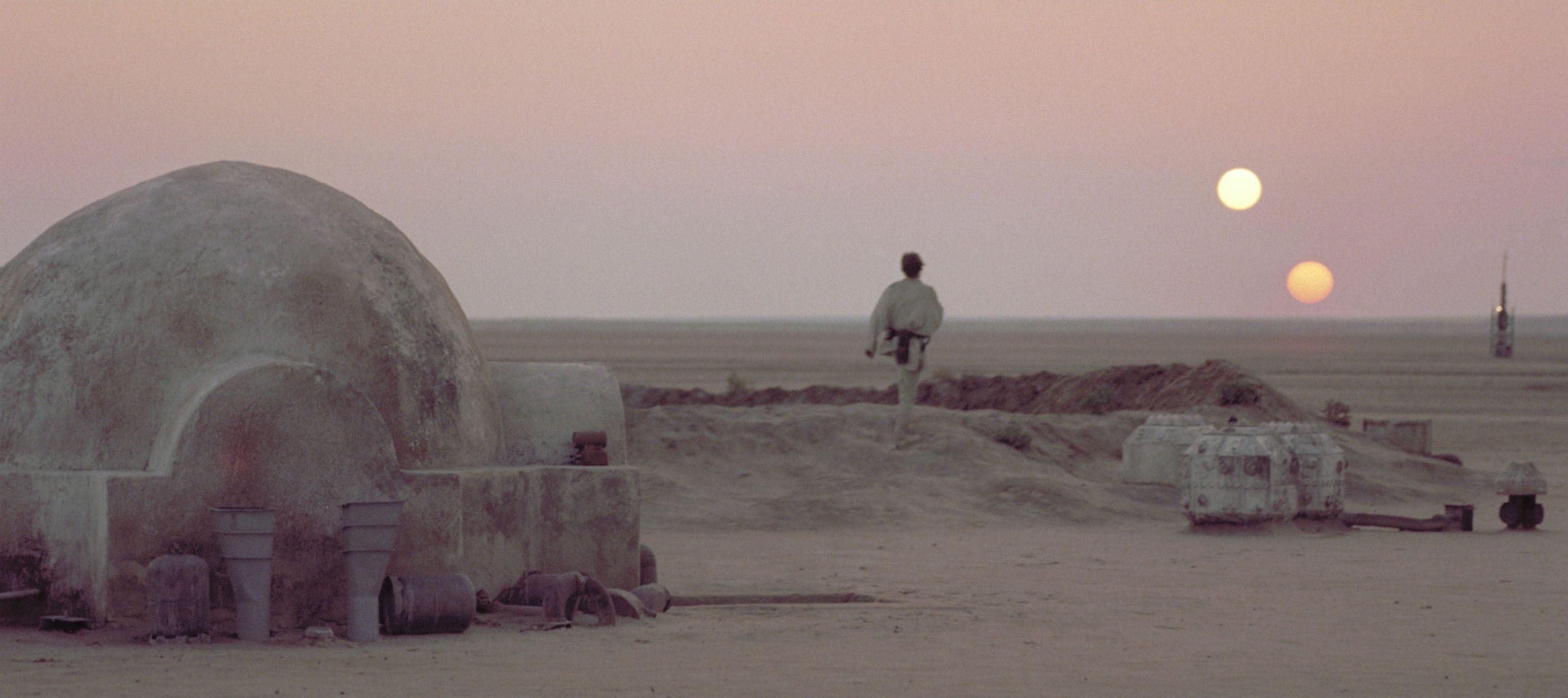 Image from http://imageserver.moviepilot.com/desert-tatooine-star ...