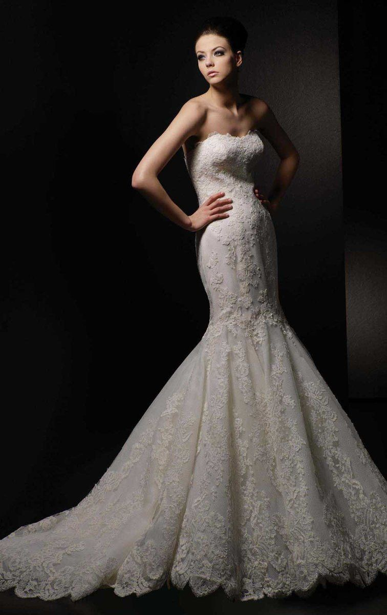 It S Easy To See Why Our Dakota Wedding Dress Remains One Of The Most Beloved Styles In Enzoa Enzoani Wedding Dresses Wedding Dress Outlet Online Wedding Dress
