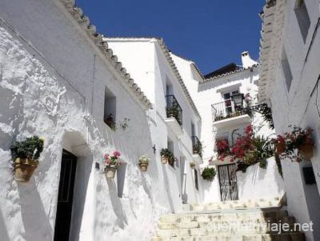 http://primarentacartravelguide.files.wordpress.com/2013/03/mijas4.jpg