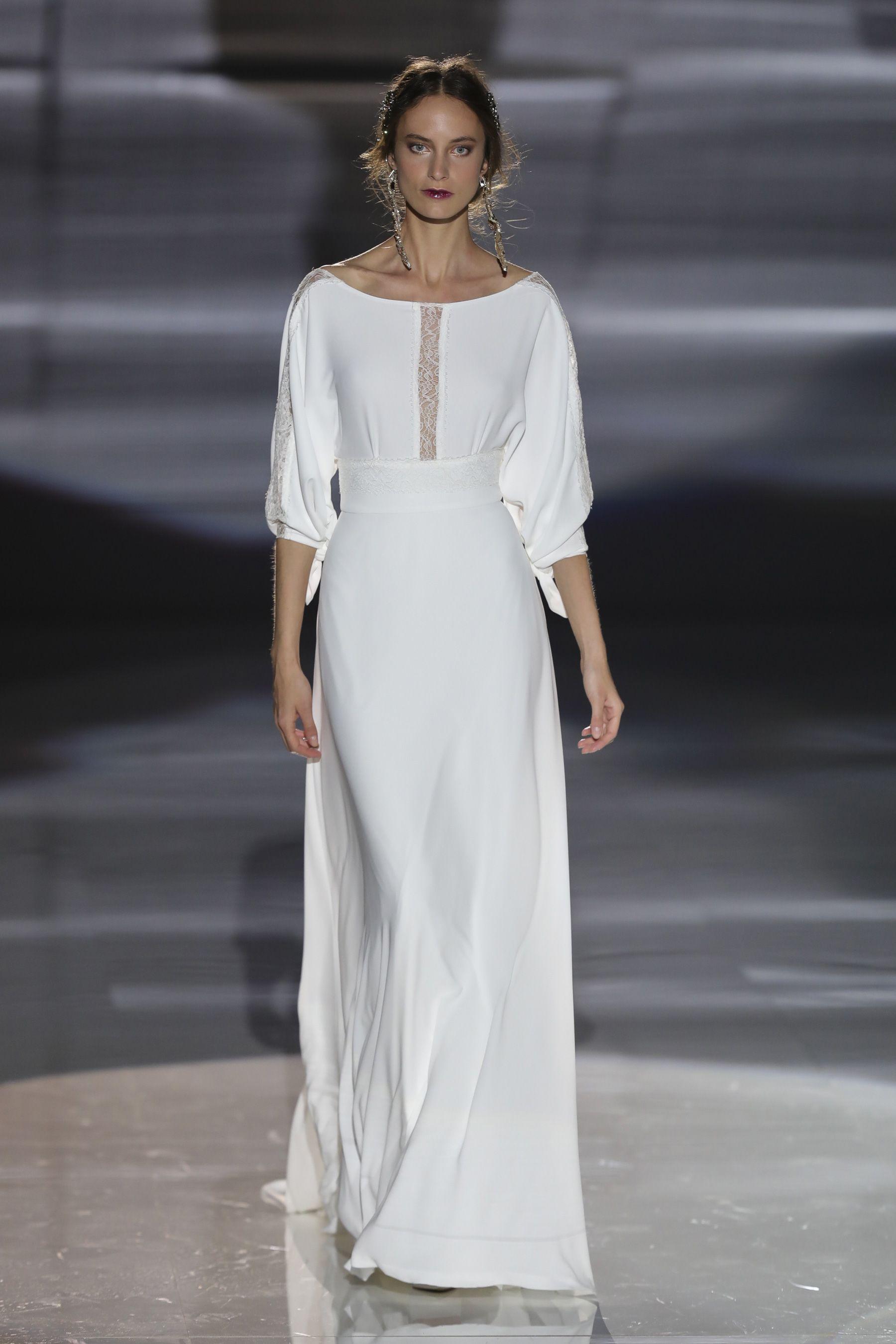 Jesus Peiro Spring 2018 Bridal Fashion Show - The Impression ...
